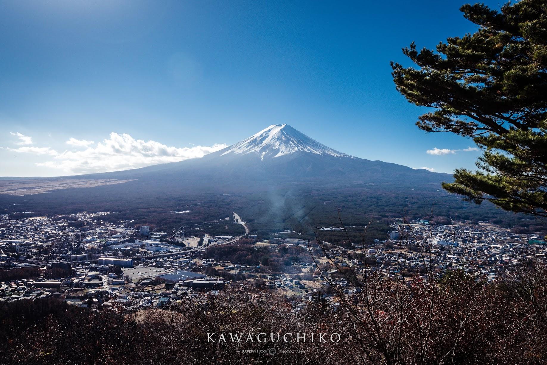 天上山公園可以一覽無遺的眺望富士山。