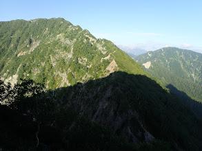 七倉岳を見返す