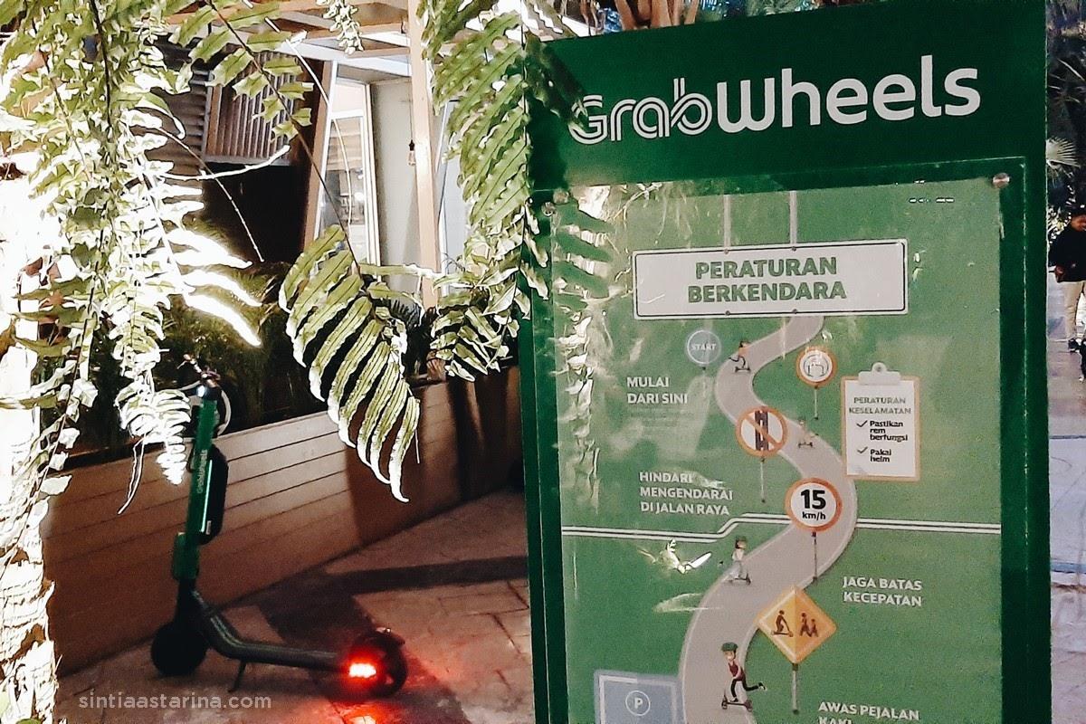 Pengalaman Naik GrabWheels di The Breeze BSD, Gratis!