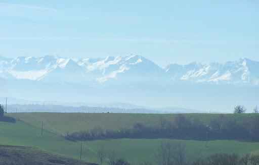 La vue du bureau sur les Pyrénées..!