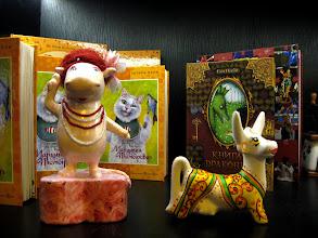 Photo: зліва направо: гіпопомумі (з долини мумі-тролей) та задоволена корова