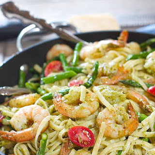 Shrimp Pesto Pasta with Asparagus.