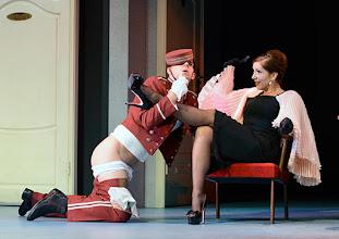 Photo: Wien/ Theater in der Josefstadt: DER GOCKEL von Georges Feydeau. Inszenierung: Josef E. Köpplinger. Premiere 19.11.2015. Josef Ellers, Susa Mayer. Copyright: Barbara Zeininger