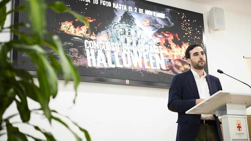 Carlos Sánchez, durante la presentación de la iniciativa.