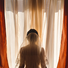 Wedding photographer Valentin Koshutin (sector7). Photo of 19.09.2014
