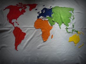Photo: Weltkarte aus Stoff