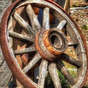 old_wagon_wheel_Painterly 4.jpg