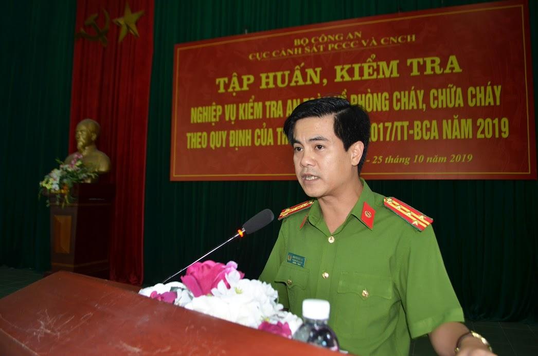 Đại tá Nguyễn Đức Hải - Phó Giám đốc Công an tỉnh Nghệ An phát biểu tại Lễ khai mạc lớp tập huấn.