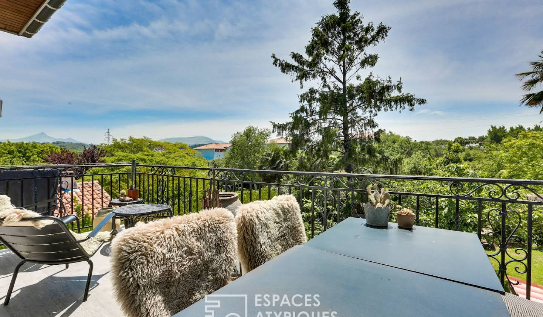 Appartement avec terrasse et piscine Hendaye