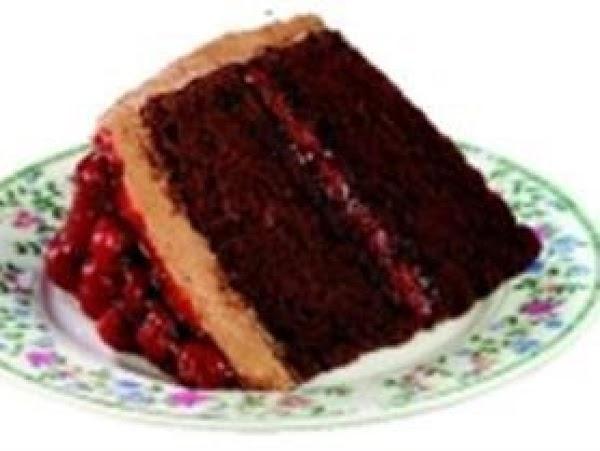 Easy Chocolate Raspberry Cake Recipe