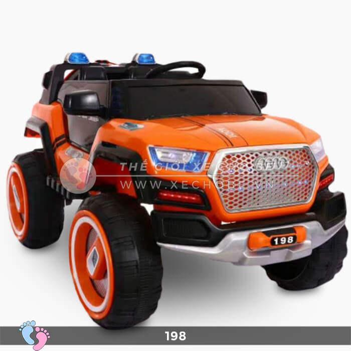 Siêu xe ô tô điện 4 động cơ 198 13