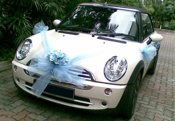 Luxury Vehicle: Top 5 Wedding Cars To Bring You Down