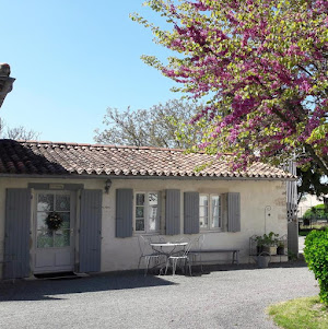 cottage family bedroom with disabled access at bed and breakfast le clos de la garenne