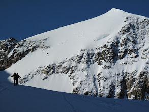 Photo: Il Monte Pasquale domina la prima parte della nostra salita