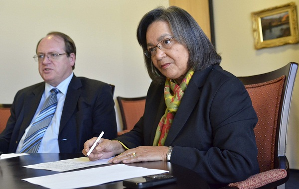 Cape Town mayor Patricia de Lille, right.  Picture: TYRONE ARTHUR