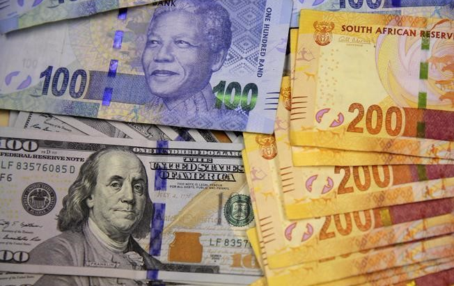 The dollar and the rand. Picture: REUTERS/SIPHIWE SIBEKO