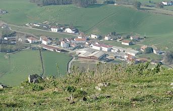 Photo: 12h08 Villages au fond de la vallée..