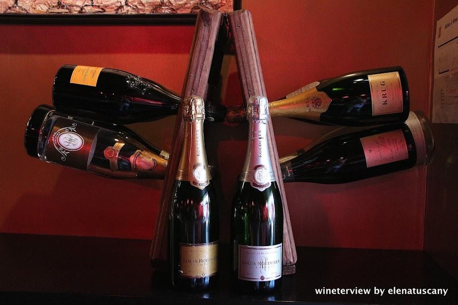 bubbles & wines, wine bar, wine bar amsterdam, wine amsterdam, bar vino amsterdam, vino amsterdam, champagne, champagne holder, bollicine, wine, vino
