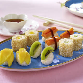 Dessert Sushi with Tropical Fruits and Caramel Sauce.