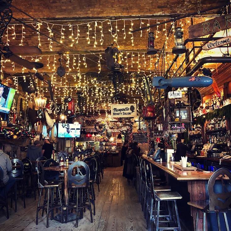 The scene at No Name Saloon. Photo: viehmz.
