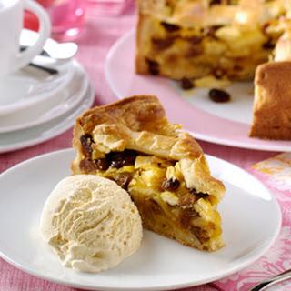 Oud-Hollandse appeltaart met vanille-ijs