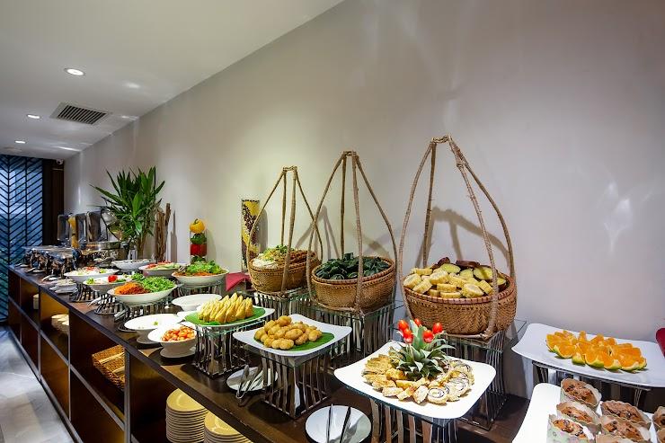buffet sáng Khách sạn Palazzo Đà nẵng