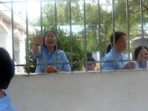 Photo: Bệnh Nhân này trẻ đẹp và hát rất hay, rất tiếc khi chúng tôi quay phim, nhân viên bệnh viện không cho phép