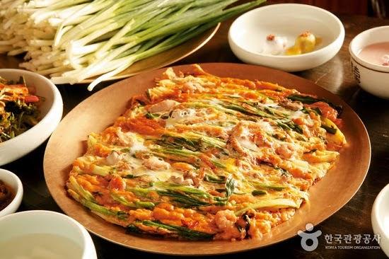 Haemul Pajeon(Seafood Green Onion Pancake)