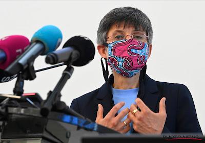 La gouverneure d'Anvers, Cathy Berx, n'offre pas encore de clarté sur la tenue ou non du football à Anvers