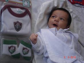 Photo: Bruninho, no dia do seu batizado (fui seu padrinho de batismo), com apenas 01 mês de vida, já sabe vibrar quando vê um time campeão...