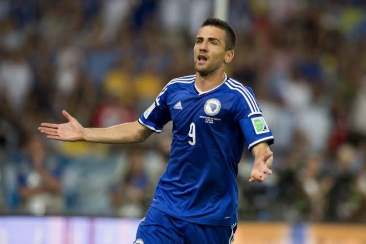 Officieel: Schalke 04 haalt met ervaren aanvaller concurrent binnen voor Benito Raman