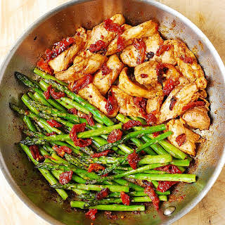 Paprika Chicken, Asparagus, and Sun-Dried Tomatoes Skillet.