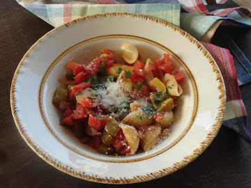 Tomato And Summer Squash  Sauce On Pasta Recipe