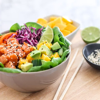 Salmon Poke Bowl with Spicy Sauce.