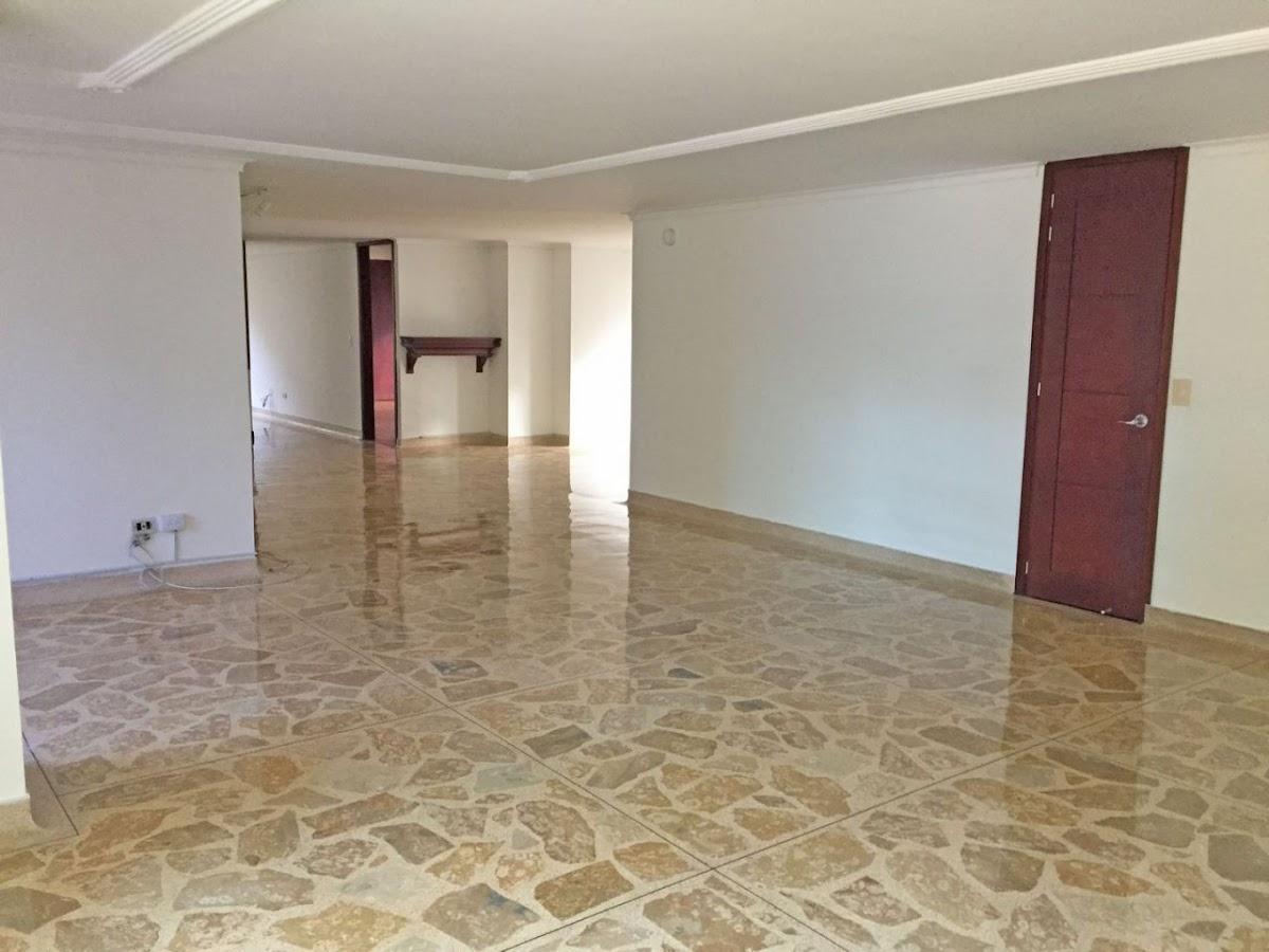 apartamento en arriendo poblado 679-21196