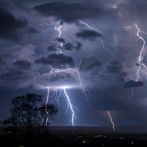 Lightning_2.jpg