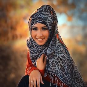 danela's hijab II by Bonifasius Wahyu Fitrianto - People Portraits of Women ( model )