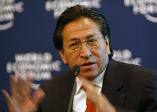 Photo: DAVOS,24JAN03 - Alejandro Toledo, President of Peru,  speaks during the session 'The Challenge for Latin America'  at the 'Annual Meeting 2003' of the World Economic Forum in Davos, Switzerland, January 24, 2003. 