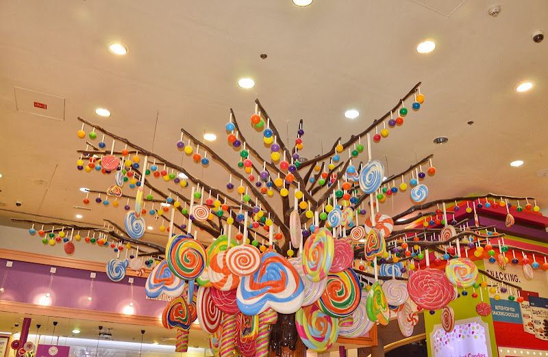 The Kitsch Tree  di elisa_chiavero