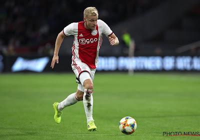 Dit is héél opmerkelijk! 'Deal is rond, maar Ajax en Manchester United hebben niét onderhandeld over transer van de Beek'