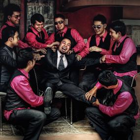 the Groom and the Grooms men by Joemar Cabasan - Wedding Groom