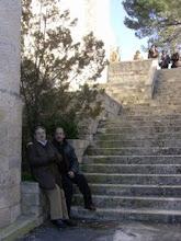 Photo: Francisco Javier San José Recio y Josemari Cortés Aranaz, en la escalera del convento de Caleruega.