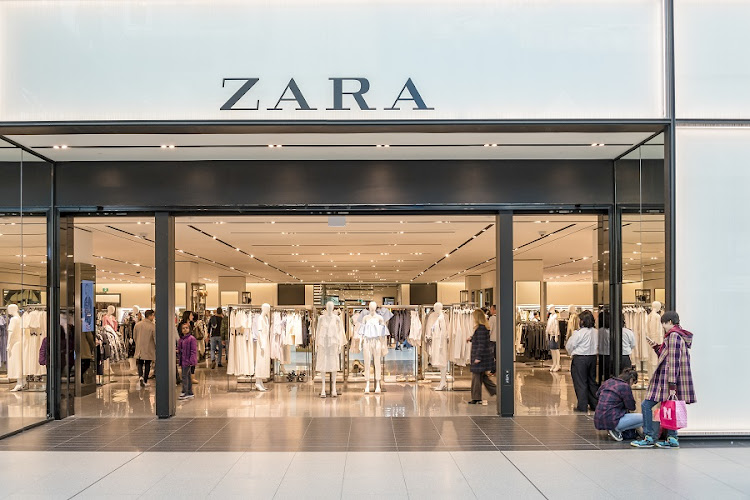 inditex selling zara stores in spain as online purchasing. Black Bedroom Furniture Sets. Home Design Ideas