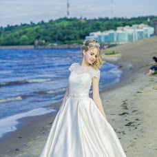 Wedding photographer Anna Gladkovskaya (annglad). Photo of 25.03.2016