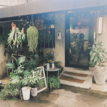 Maslow Cafe