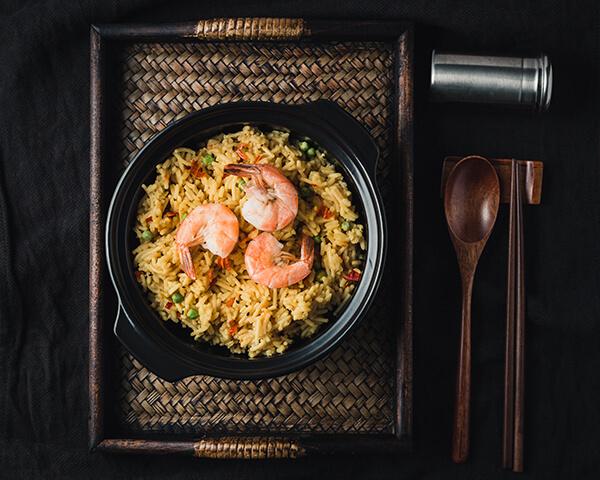 當然,跟海鮮燉麵或炒麵也是絕配!甚至放個兩三隻去炒泡麵更是別有一番風味。