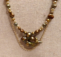 Photo: # 227 Genuine blister pearl pendant (in shape of bird), freshwater pearls, gold plate $80 SOLD