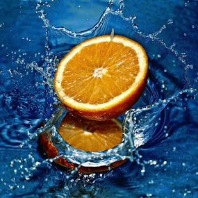 Splash by Do AmateurPic - Food & Drink Fruits & Vegetables ( water, orange, droping, splash, amateurpic )