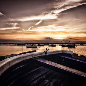 Peaceful by Leigh Brooksbank - Landscapes Sunsets & Sunrises ( hdr, sunset, tokina 11-16, scenery, essex photographers )