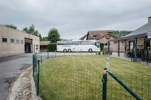 bus klaar voor vertrek vanaf de garage